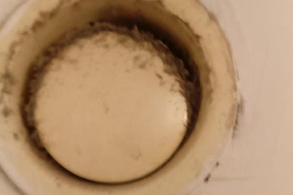 Lakásokban található légbevezető elemek és anemosztátok problémái: